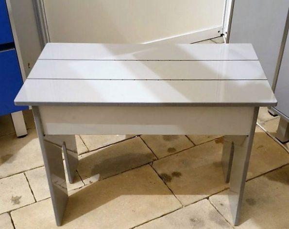 """ספסל-לאמבטיה-מונח-HPL <span class=""""degem"""">דגם כסא / ספסל / מושב בודד מונח למקלחת</span>"""